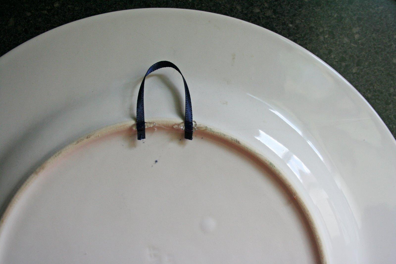 Как сделать крепление к тарелке декоративной на стену