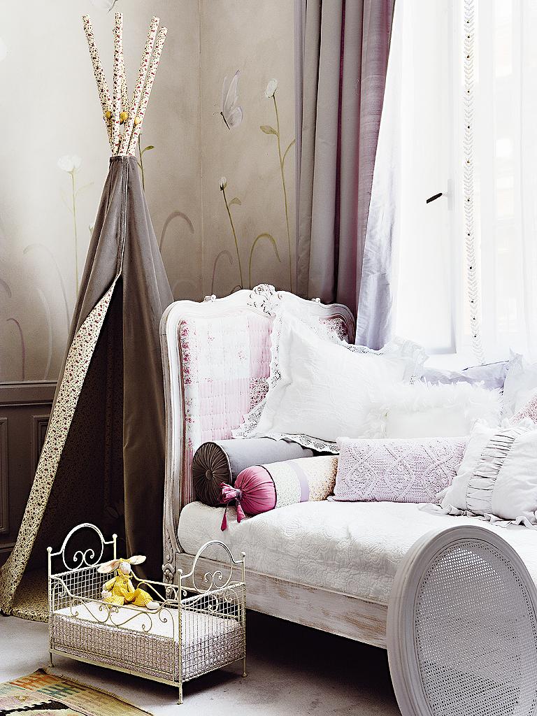 eclectic room (2)